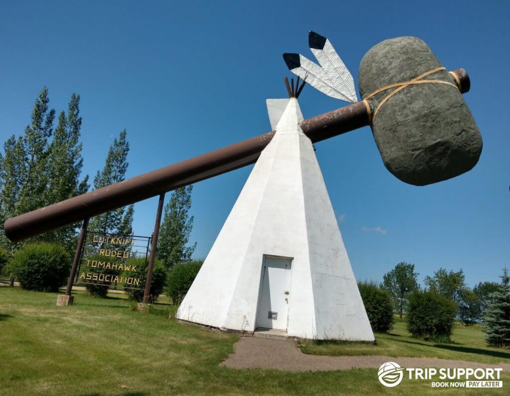 world's-largest-tomahawk
