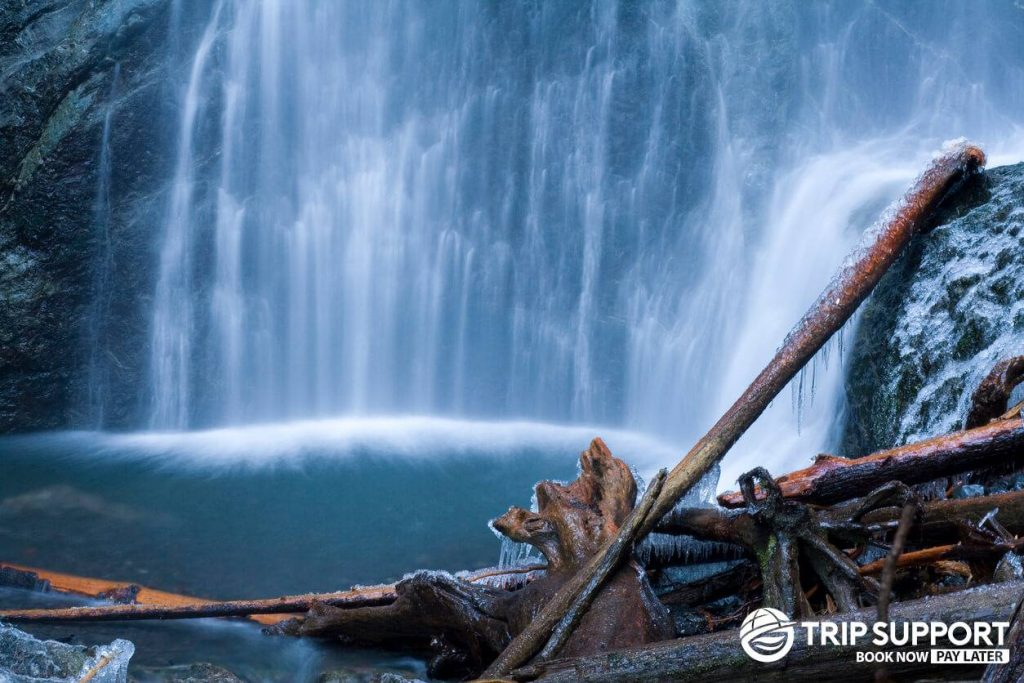 Hiking on Marymere Falls